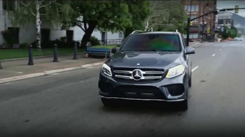2016 Mercedes-Benz GLE TV Spot, 'Discovery Channel' - Thumbnail 3