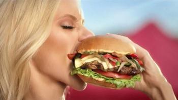 Hardee's Tex Mex Bacon Thickburger TV Spot, 'Borderball' Feat. Elle Evans - Thumbnail 3