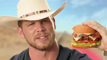 Hardee's Tex Mex Bacon Thickburger TV Spot, 'Borderball' Feat. Elle Evans - Thumbnail 7