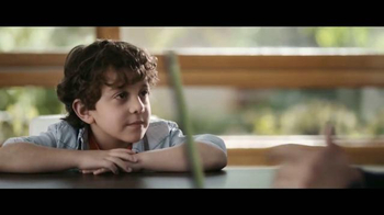 XFINITY TV and Internet TV Spot, 'La edad preguntona' [Spanish] - Thumbnail 4