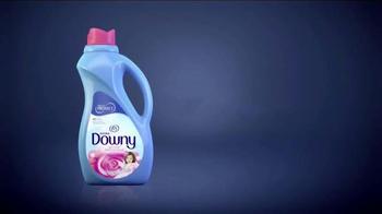 Downy TV Spot, 'Outside Smell Test' - Thumbnail 8