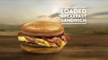 Jack in the Box Loaded Breakfast Sandwich TV Spot, 'Raymond the Rooster' - Thumbnail 9