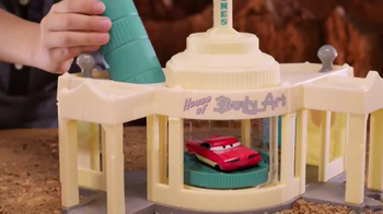 Disney Pixar Cars Ramone's Color Change Playset TV Spot, 'Spin and Spray' - Thumbnail 2