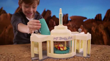 Disney Pixar Cars Ramone's Color Change Playset TV Spot, 'Spin and Spray'