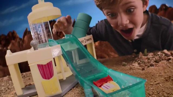 Disney Pixar Cars Ramone's Color Change Playset TV Spot, 'Spin and Spray' - Thumbnail 5