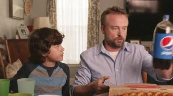Pizza Hut Twisted Crust TV Spot, 'Kid's Table is Better Together' - 1423 commercial airings