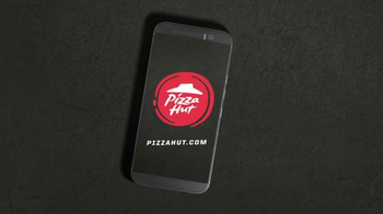 Pizza Hut Twisted Crust TV Spot, 'Kid's Table is Better Together' - Thumbnail 9