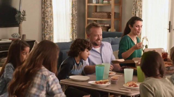 Pizza Hut Twisted Crust TV Spot, 'Kid's Table is Better Together' - Thumbnail 5