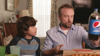Pizza Hut Twisted Crust TV Spot, 'Kid's Table is Better Together'