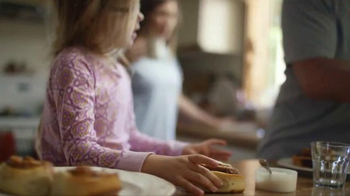 Pillsbury Cinnamon Rolls TV Spot, 'Give It a Pop: Icing' - Thumbnail 2