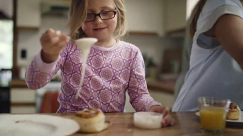 Pillsbury Cinnamon Rolls TV Spot, 'Give It a Pop: Icing' - Thumbnail 5