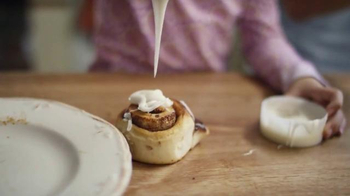 Pillsbury Cinnamon Rolls TV Spot, 'Give It a Pop: Icing' - Thumbnail 6