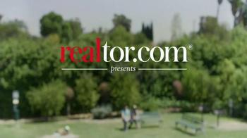 Realtor.com TV Spot, 'Map Tool' Featuring Elizabeth Banks - Thumbnail 1