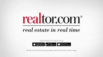 Realtor.com TV Spot, 'Map Tool' Featuring Elizabeth Banks - Thumbnail 8