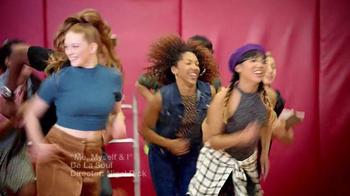 Macy's TV Spot, 'Back to School: Vuelve' Song by De La Soul [Spanish] - Thumbnail 1