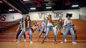 Macy's TV Spot, 'Back to School: Vuelve' Song by De La Soul [Spanish] - Thumbnail 5