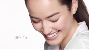 Clinique Superbalanced Silk Makeup TV Spot, 'Balancing Act' - Thumbnail 4