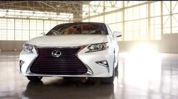 2016 Lexus ES TV Spot, 'Perspectiva única' [Spanish] - Thumbnail 1