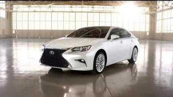 2016 Lexus ES TV Spot, 'Perspectiva única' [Spanish] - Thumbnail 8