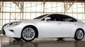 2016 Lexus ES TV Spot, 'Perspectiva única' [Spanish] - Thumbnail 9