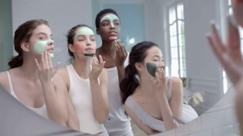L'Oreal Paris Pure-Clay Masks TV Spot, 'Transform Oily, Dull, Rough Skin' - Thumbnail 7