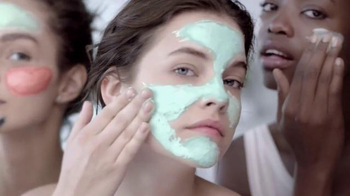 L'Oreal Paris Pure-Clay Masks TV Spot, 'Transform Oily, Dull, Rough Skin' - Thumbnail 8