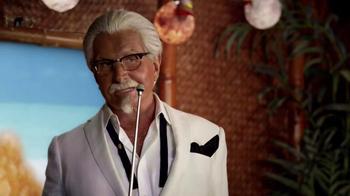 KFC $5 Fill Up: Chicken Littles TV Spot, 'Karaoke' Feat. George Hamilton - Thumbnail 4