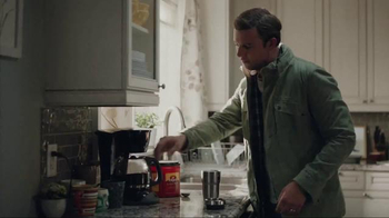 Folgers TV Spot, 'Saturday Morning With Folgers' Song by Andrew Allen - Thumbnail 4