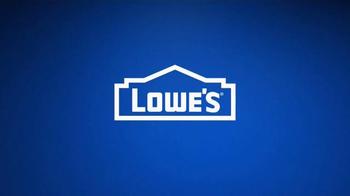 Lowe's Labor Day Deals TV Spot, 'Mulch & Paint' - Thumbnail 5