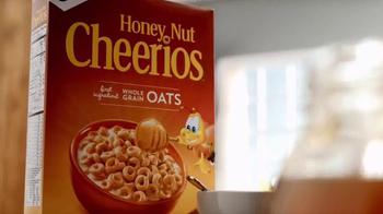 Honey Nut Cheerios Gluten Free TV Spot, 'Slow Honey' - Thumbnail 1