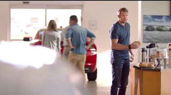 Dodge TV Spot, 'Los hermanos Dodge: donas' [Spanish] - Thumbnail 6