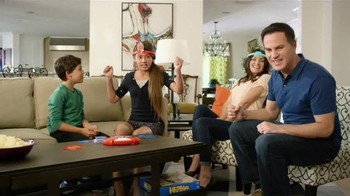 Hedbanz Electronic TV Spot, 'Laugh Your Heads Off' - Thumbnail 9