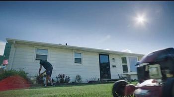 NFL TV Spot, 'Football Is Family: Lambeau Field's Neighbors' Ft. Eddie Lacy - Thumbnail 3