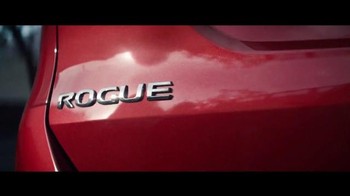 2016 Nissan Rogue TV Spot, 'Storm Cloud' - Thumbnail 2