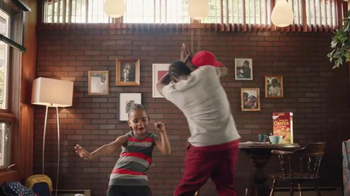 Honey Nut Cheerios TV Spot, 'Dancing Dads' - Thumbnail 3