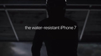 Apple iPhone 7 TV Spot, 'Morning Ride' Song by AC/DC - Thumbnail 6