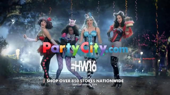 Party City TV Spot, '2016 Halloween: Happily Ever After' - Thumbnail 6