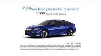 2016 Honda Civic LX TV Spot, 'Los Angeles Rams' - Thumbnail 7