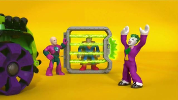 Imaginext DC Super Friends Super Hero Flight City TV Spot, 'Adventure' - Thumbnail 2