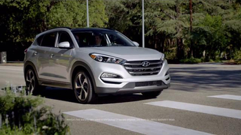 2016 Hyundai Tucson TV Spot, 'Bee' - 31 commercial airings