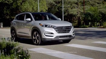 2016 Hyundai Tucson TV Spot, 'Bee' - 31 commercial airings