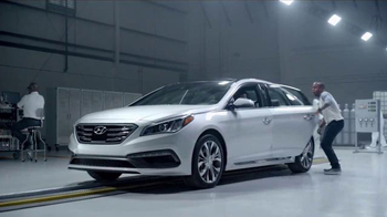 2016 Hyundai Sonata TV Spot, 'Good or Better?: Grind' - Thumbnail 8