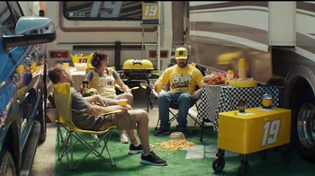 2017 Toyota Tundra TV Spot, 'Tailgating' Featuring Carl Edwards - Thumbnail 3