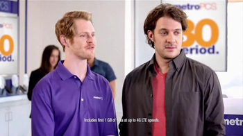MetroPCS TV Spot, 'Get Your Feet Moving to MetroPCS!' - Thumbnail 4