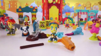 Play-Doh Town TV Spot, 'Create Your Own Adventures' - Thumbnail 2