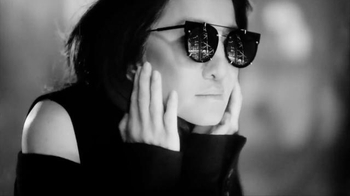 Jared Vera Wang Love Collection TV Spot, 'Modern Classics' Feat. Vera Wang - Thumbnail 5