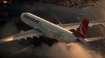 Turkish Airlines TV Spot, 'Fly to Gotham City' Featuring Ben Affleck - Thumbnail 1