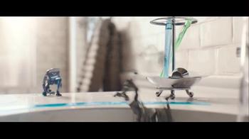Schick Hydro Super Bowl 2016 TV Spot, 'Robot Razors' - Thumbnail 6