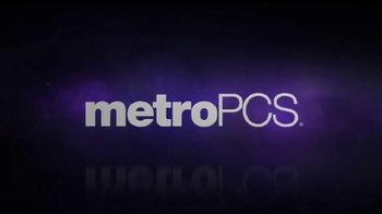 MetroPCS Super Bowl 2016 TV Spot, 'Llamadas y textos sin limites' [Spanish] - Thumbnail 8