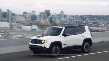 2016 Jeep Renegade TV Spot, 'Take Off' Song by X Ambassadors - Thumbnail 4